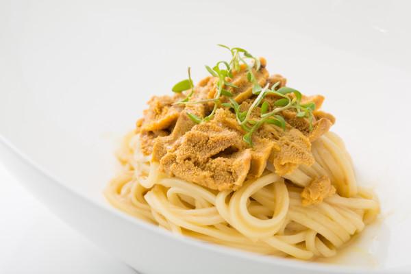 淡路・由良うにのアーリオ・オーリオ・ペペロンチーノ 自家製麺のタリオリーニ